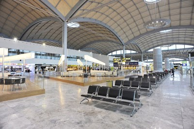 rothbiz-macalloy-alicante-airport